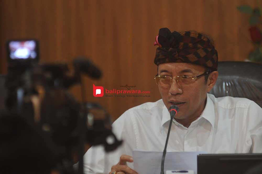 Fasilitasi Vaksinasi di Kantor DPRD Bali, Gubernur Bali Minta Harga PCR Juga Diturunkan