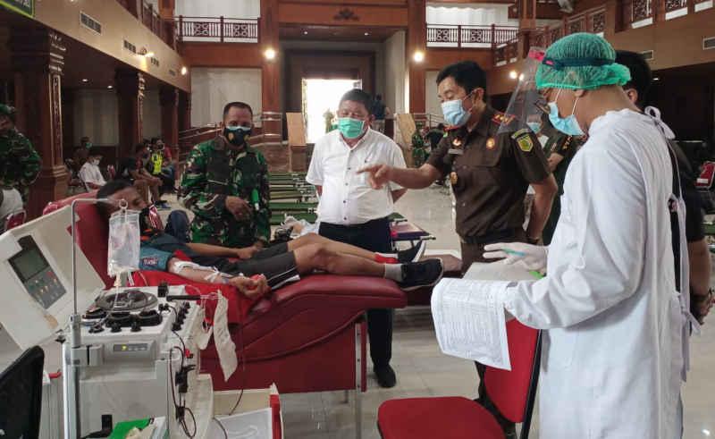 Donor Plasma Konvalesen Hut Ke 60 Korem 163 Wira Satya Dimulai Di Kodim Jembrana