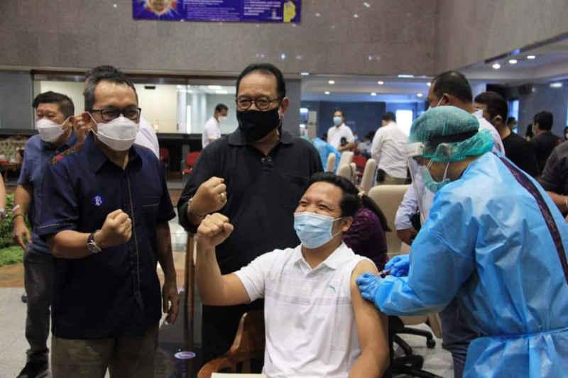 Vaksinasi Covid-19 di Bali Sudah Capai 35 Persen dari Total Jumlah Penduduk