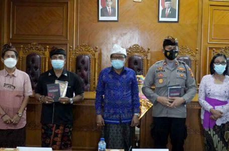 Tim PKM Unwar Gelar FGD Pemberdayaan dan Ketahanan Pecalang di Era New Normal