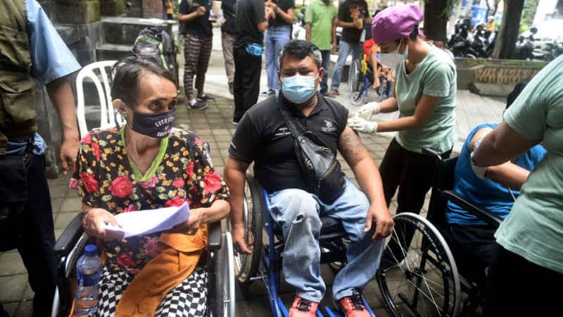 Ratusan Penyandang Disabilitas Terima Vaksinasi Covid-19