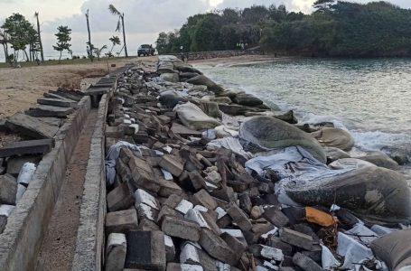 Sempat Dipasangi Geobag, Pantai Selagan Nusa Dua Kembali Abrasi