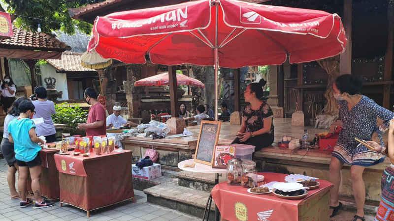 Kolaborasi Komunitas Makanan Bali, Suka Kopi Ubud Bersama Astra Motor Bali Melalui Bazzar Makanan