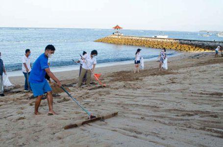 Hotel Nikko Bali Gelar Aksi Bersih Pantai, di Hari Lingkungan Hidup dan Hari Laut Sedunia