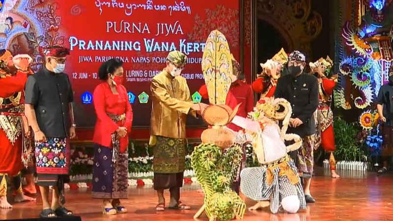 Dibuka Presiden Jokowi Secara Virtual, Pembukaan PKB XLIII Ditandai Penancapan Kayonan