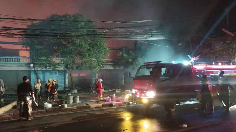 Pasar Blahbatuh Terbakar, Belasan Mobil Pemadam Kebakaran Dikerahkan