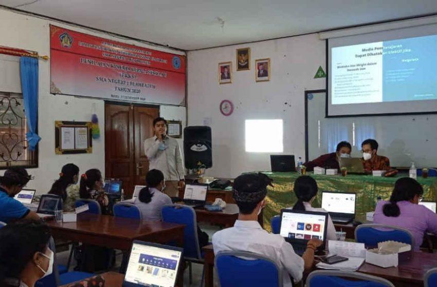 Dosen ITB STIKOM Bali, Bantu Guru SMAN 1 Blahbatuh Platform Media Pembelajaran Gratis