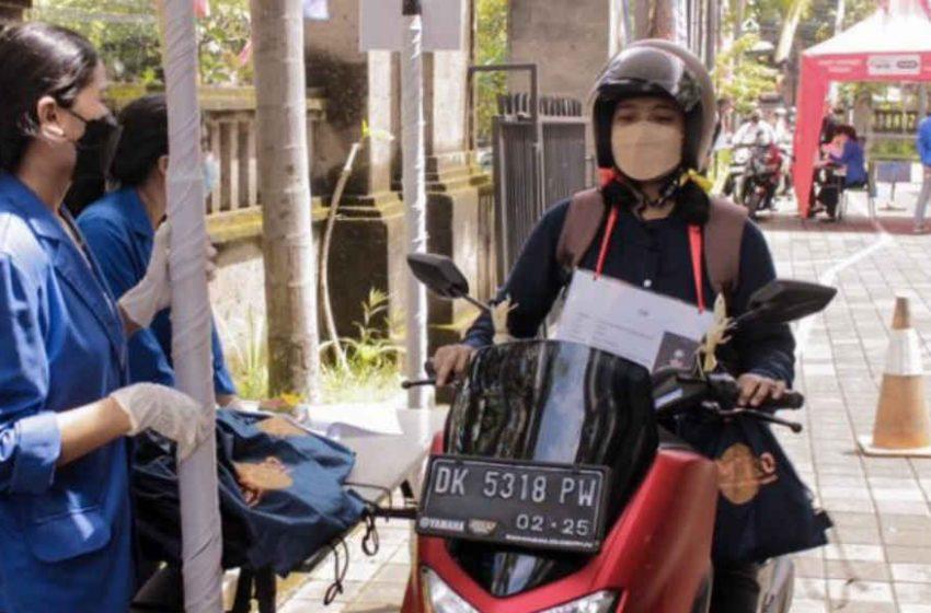 ITB STIKOM Bali Gelar Pra GMTI Secara Drive Thru, Penerapan Prokes Wajib Dilakukan