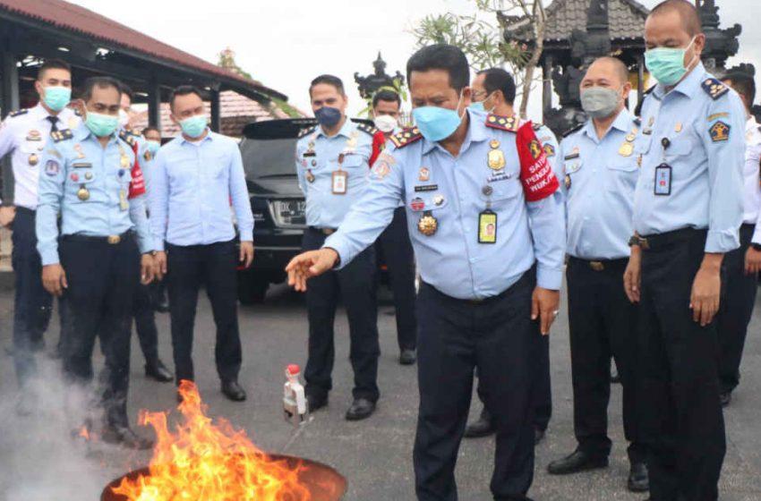 Ribuan Cap Keimigrasian Versi Lama, Dimusnahkan Kanim Ngurah Rai
